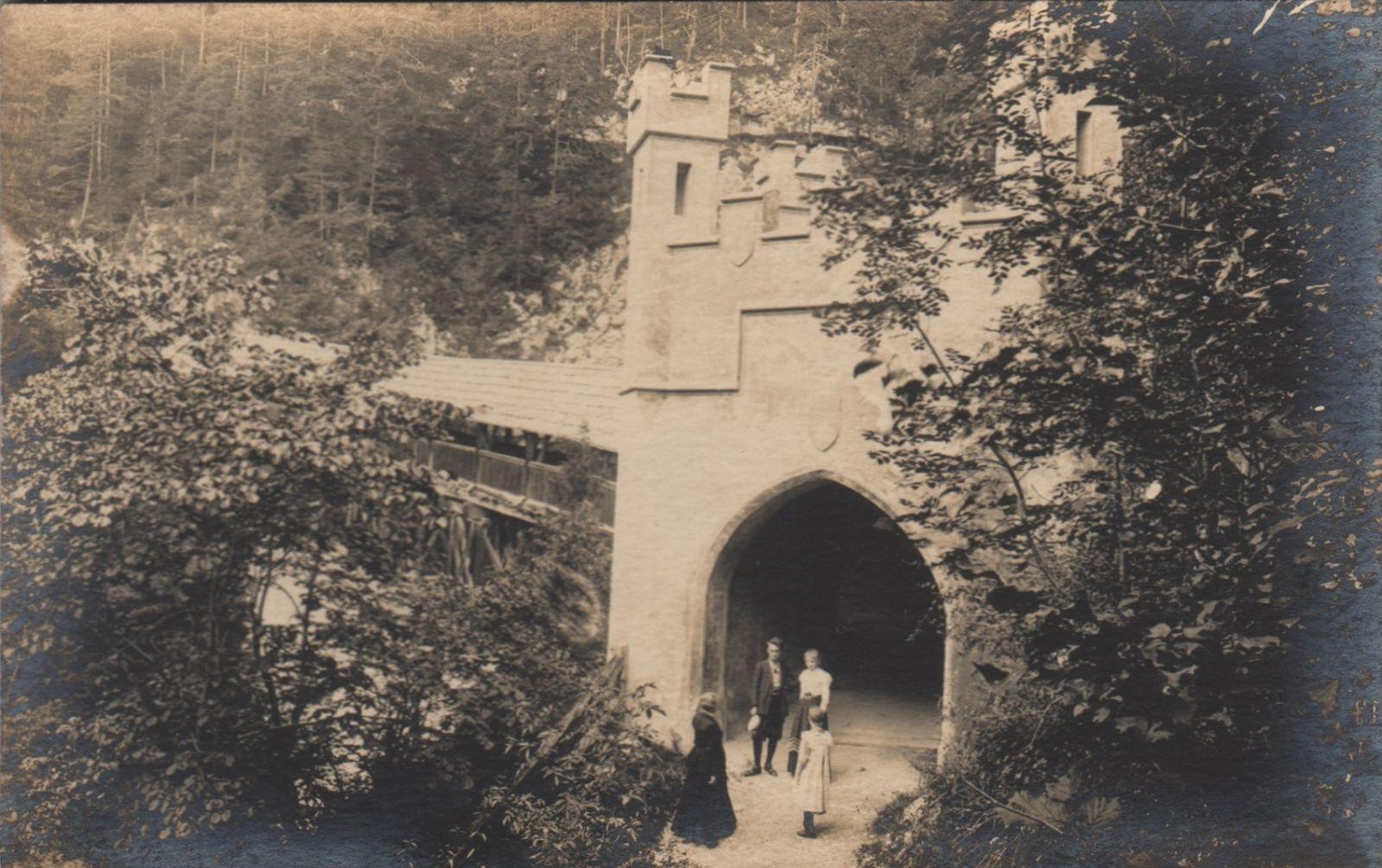 St. Georgenberg Portal Hohe Brücke